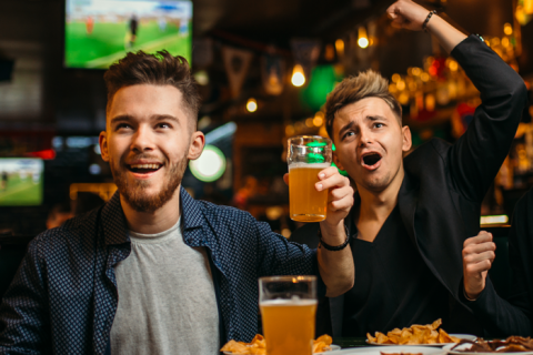 men-pub-watching-sports